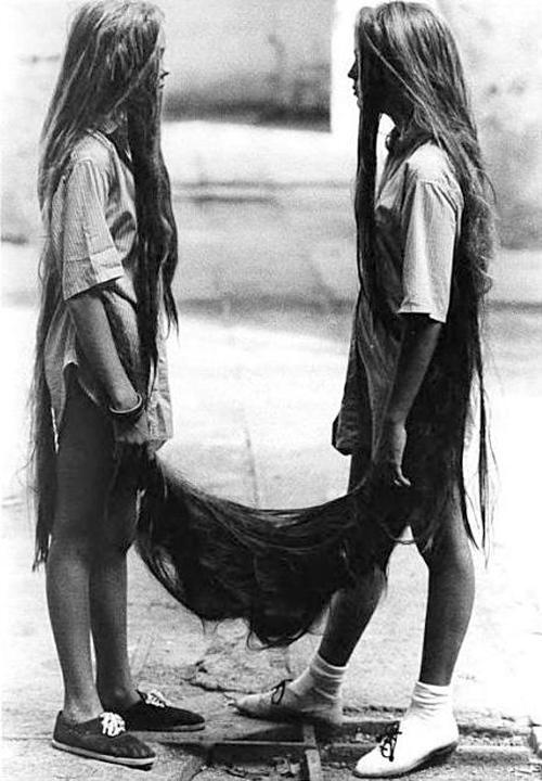 Capillary Siamese Twins